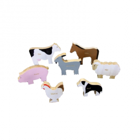 Wooden 7 Piece Farm Animal Set Featuring Te Reo Māori Names