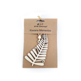 NZ Hanging Ornament – Silver Fern